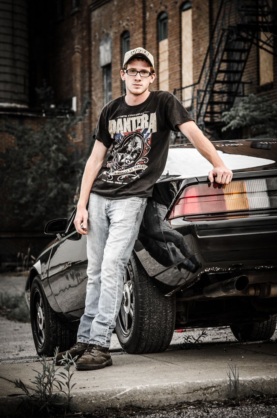High School Senior photo session with car – Canal Fulton Photographer Joel Echelberger