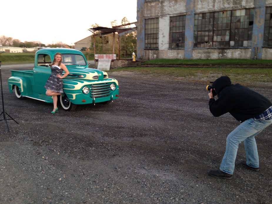 senior-pictures-location-shoot-pinup-model-02