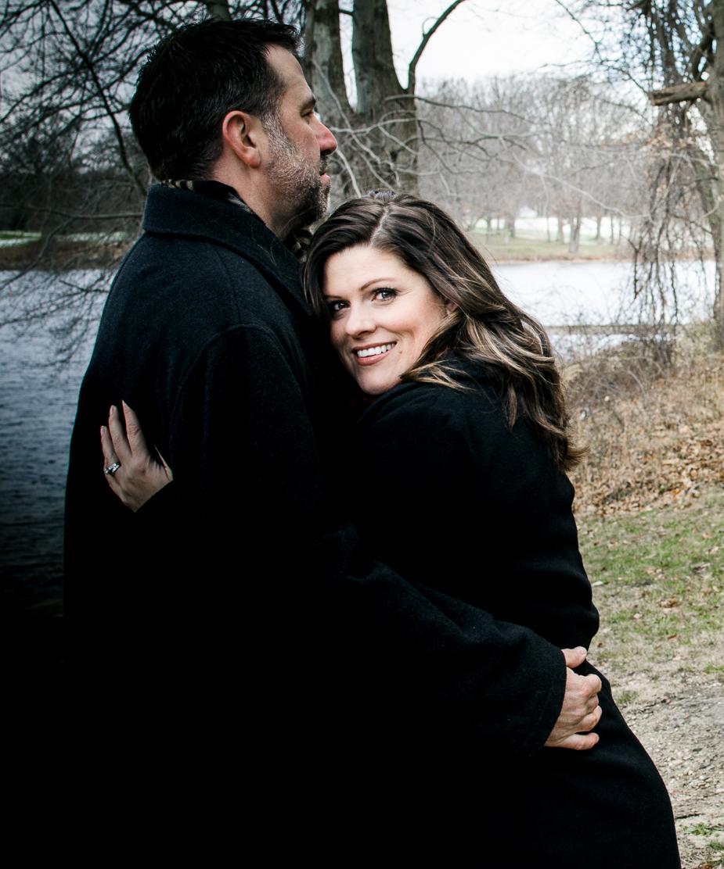 couple anniversary photos portage lakes ohio