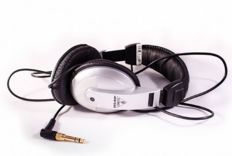 behringer_hpm1000_headphone